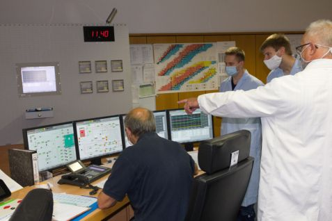 Experts Visit Controllroom